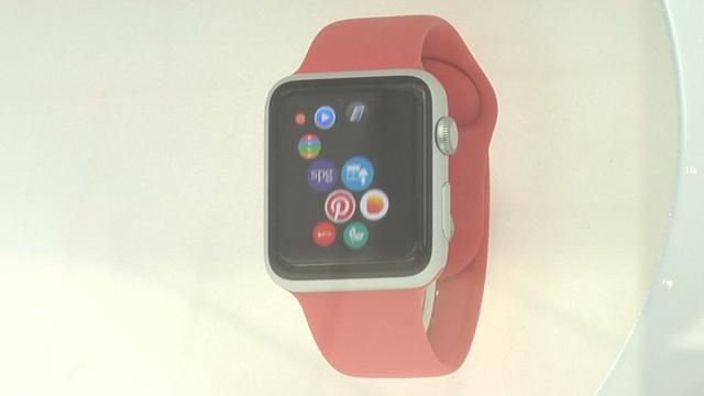 Apple Gatecrashes Paris Fashion Week to Promote Smartwatch