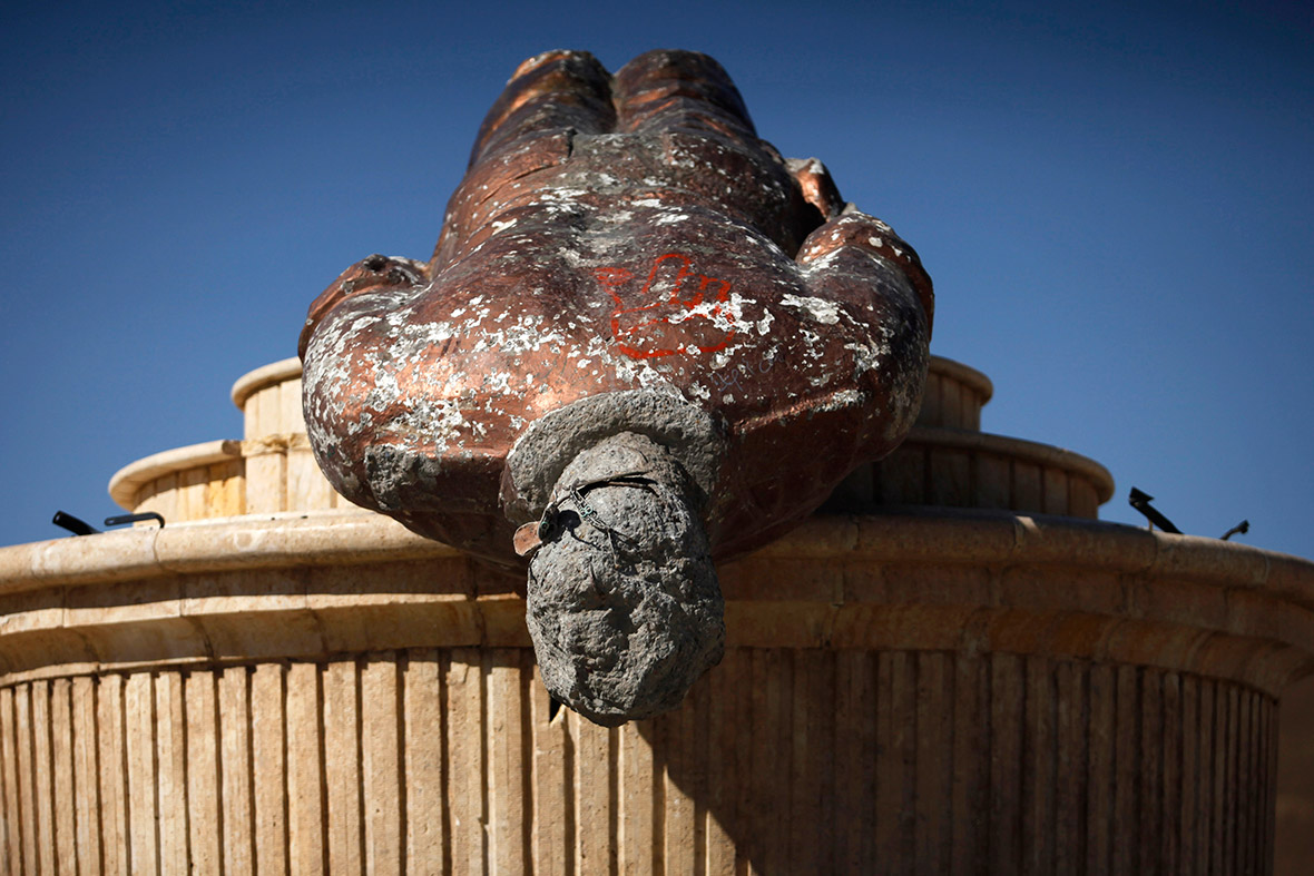Good Bye, Lenin! Statues of Dictators Toppled Around the ...
