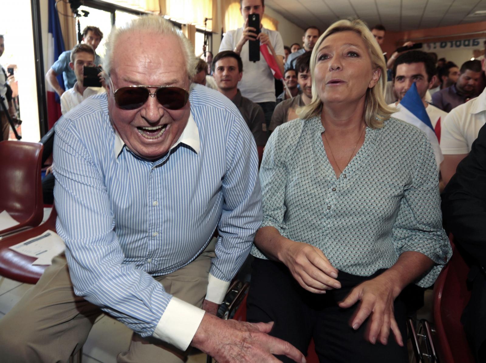 Marine Le Pen, Cat,  Jean-Marie Le Pen Dog FN