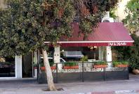 Inside Israel: Tel Aviv\'s Beachfront Restaurant Hub Turns into a Ghost Town