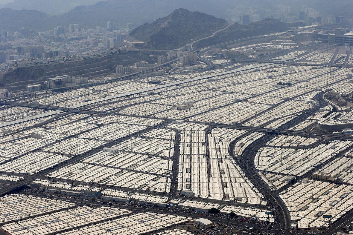 Tease: saudi arabia tent city  YouTube