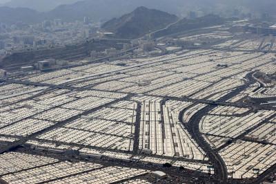 hajj mecca tents