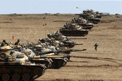 Turkish army tanks Kobane