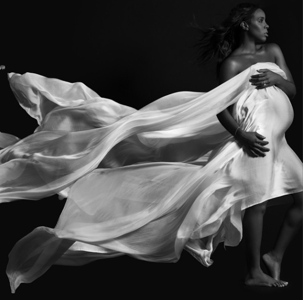 Kelly Rowland Nude Pregnant Singer Shows Off Baby Bump In Elle Magazine