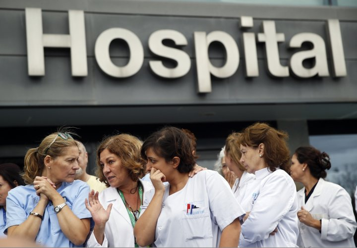 Ebola in Europe as Spanish nurse contracts virus