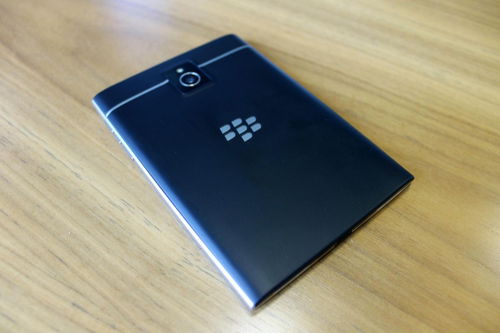 BlackBerry Passport Review Camera
