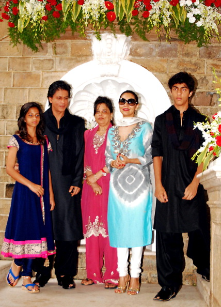 Shah Rukh Khan's Son Aryan and Amitabh Bachchan's Granddaughter Navya's sex tape is fake