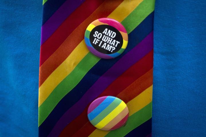 LGBT tie