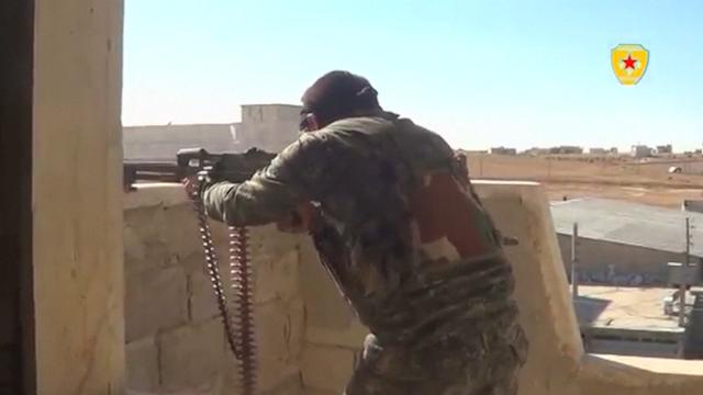 Kurdish Fighters Battle Islamic State Militants on Streets of Kobani