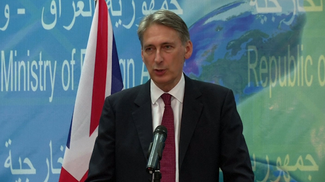 Hammond: Iraq Must Take the Lead against IS on the Ground