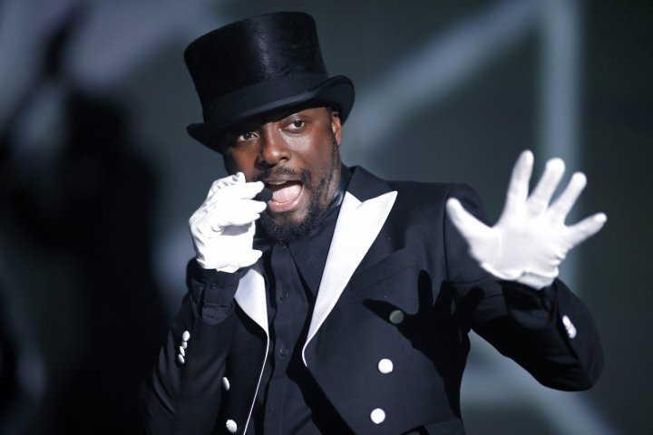 Will.i.am used his smart watch to call Cheryl Cole on BBC's The Voice