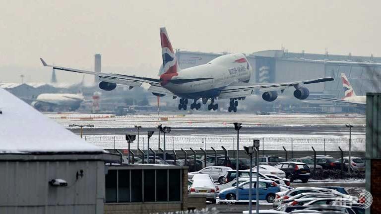 Britain to Begin Screening for Ebola at Heathrow Airport