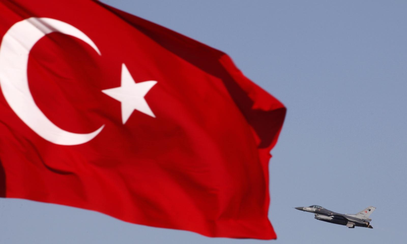 Turkey Bombs PKK Kurdish Rebels amid ISIS Kobani Crisis