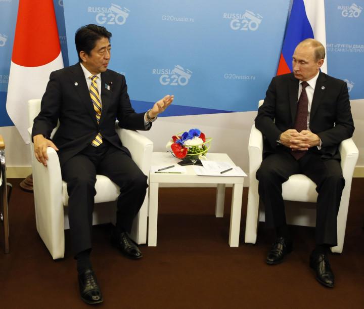 Shinzo Abe Vladimir Putin