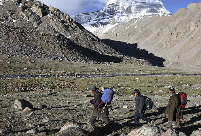 Uk Government thinks no Britons involved in Halaymian avalanches in Nepal