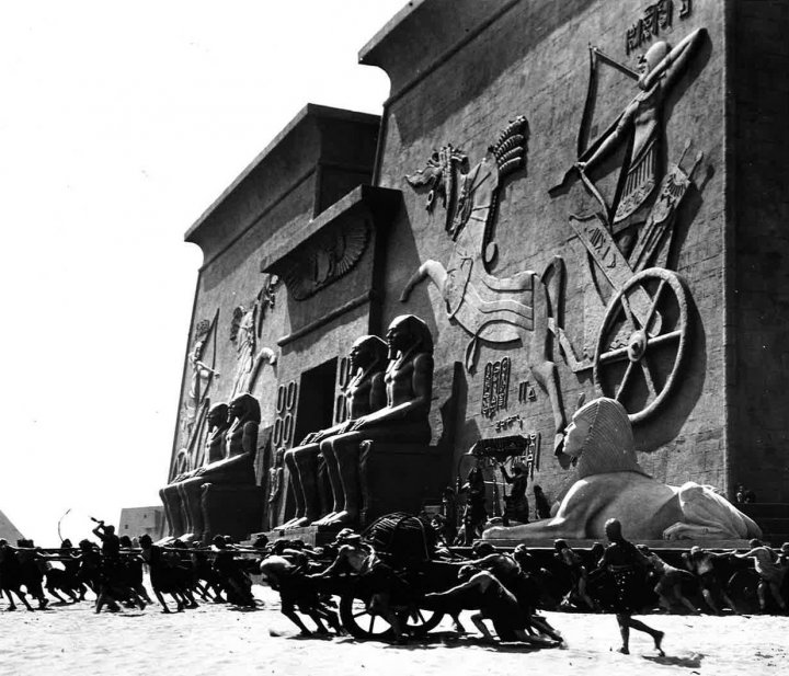 The Ten Commandments movie set in 1923