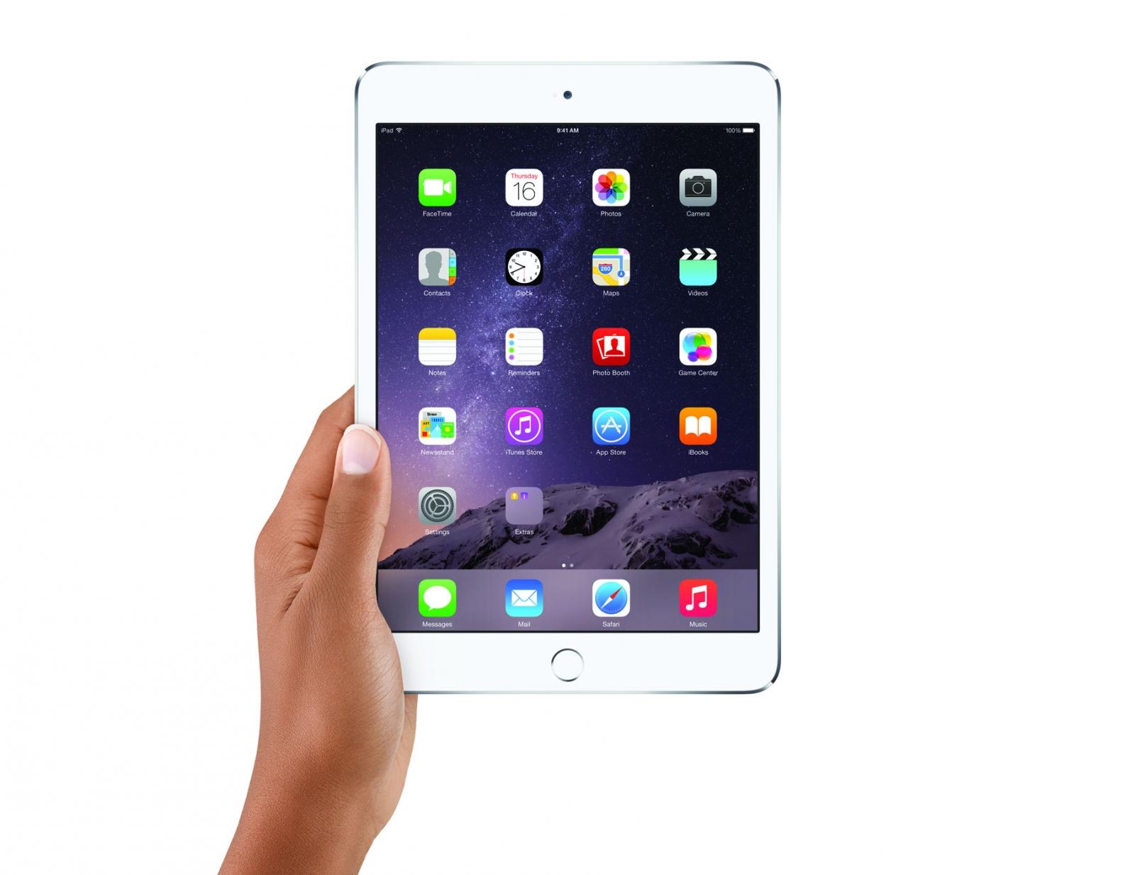 iPad mini 3 in hand