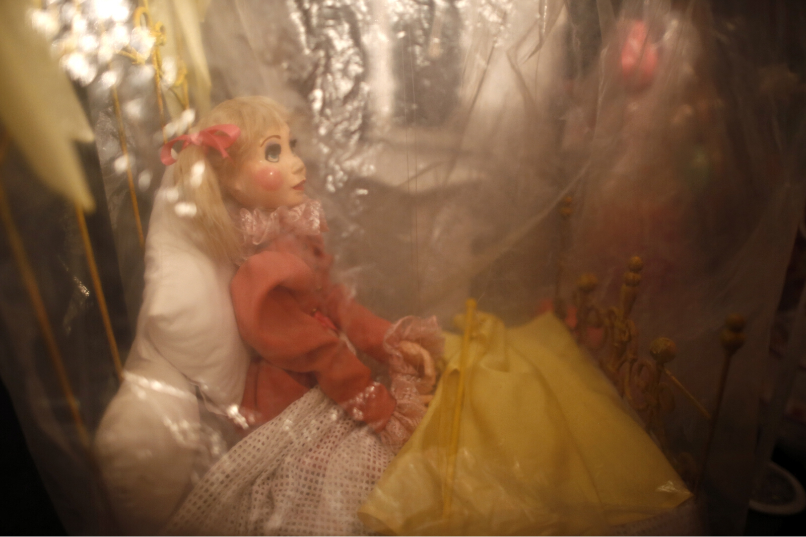 marionette-theater-closure-08