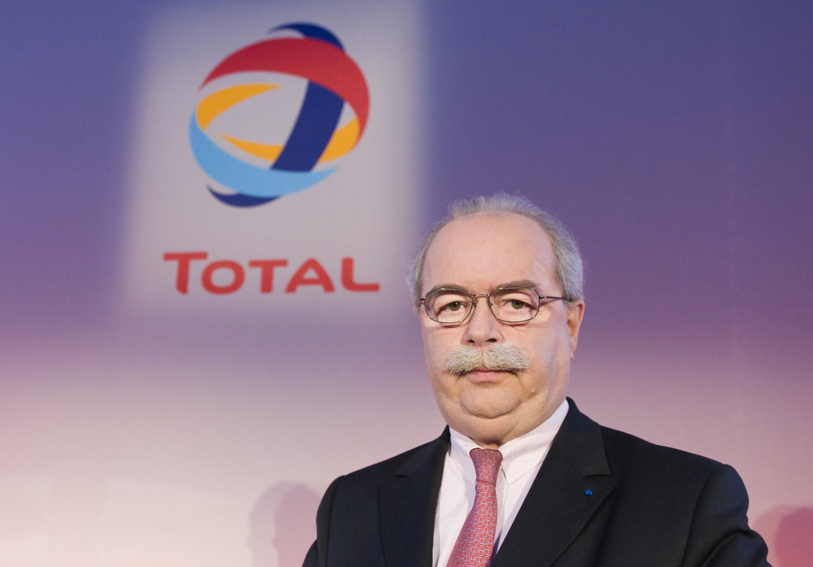Total CEO Christophe de Margerie: Tributes Flood In After Being Killed in Plane Collision