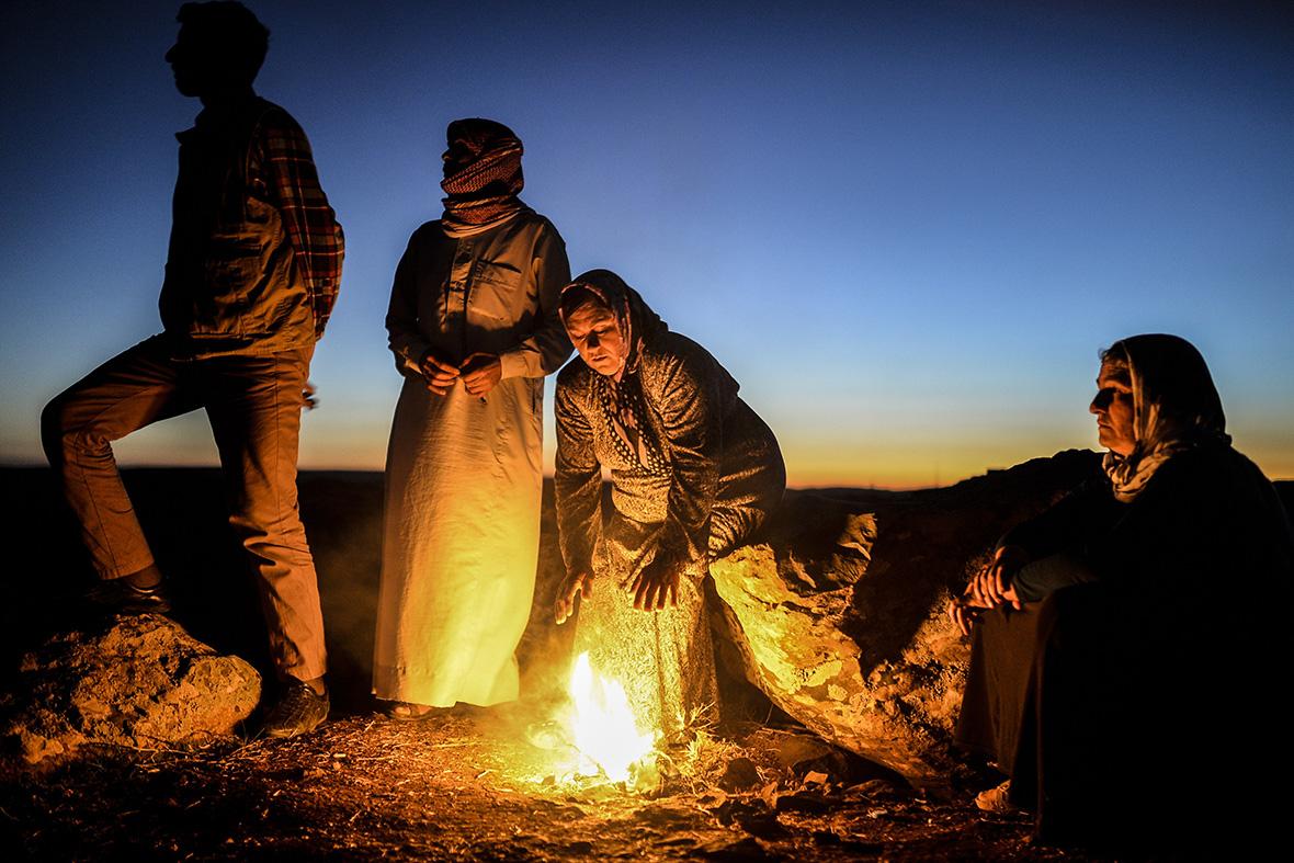kobani spectators