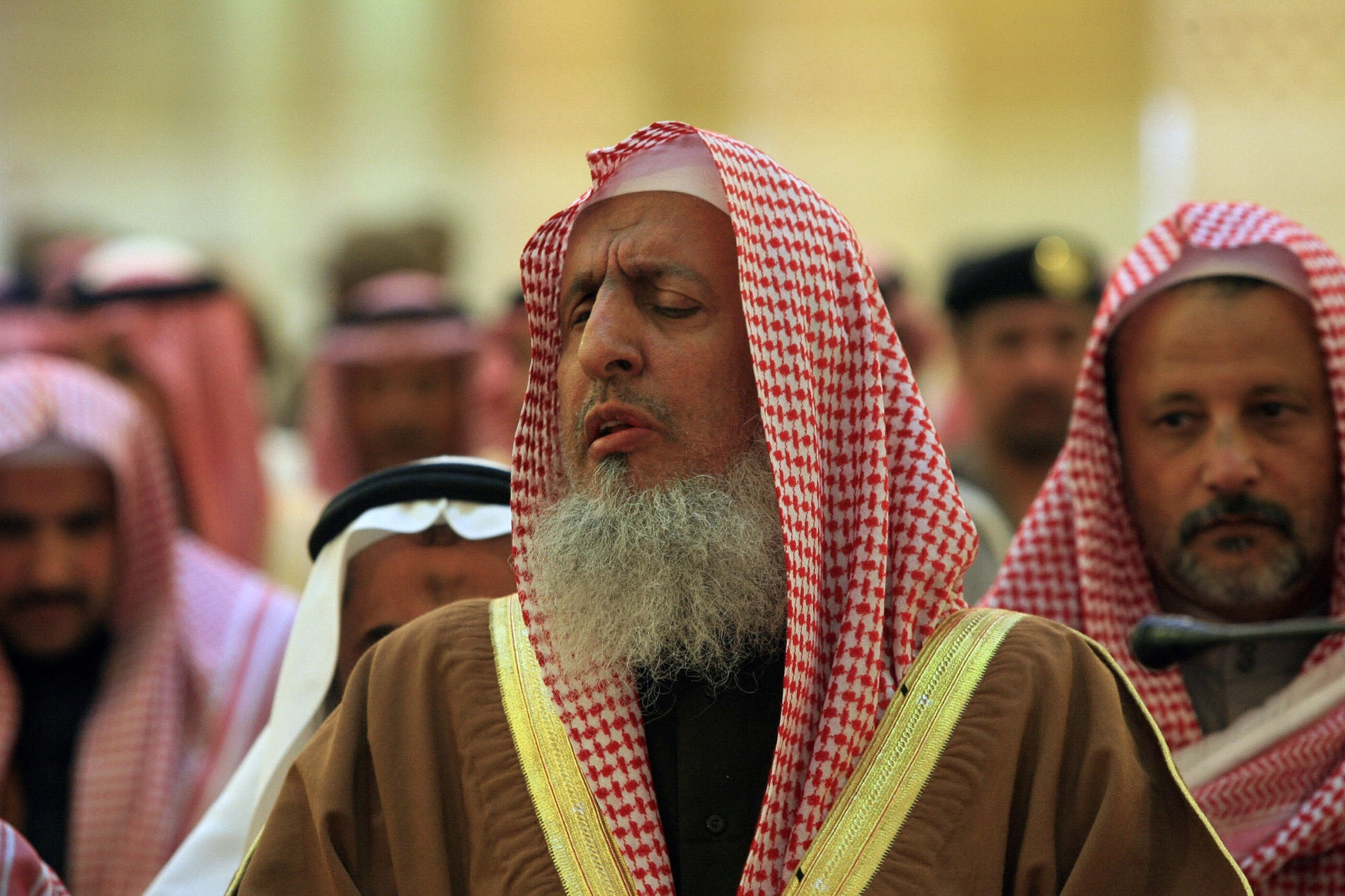 Sheikh Abdul Aziz al-Sheikh: Twitter is Source of All Evil and Devestation