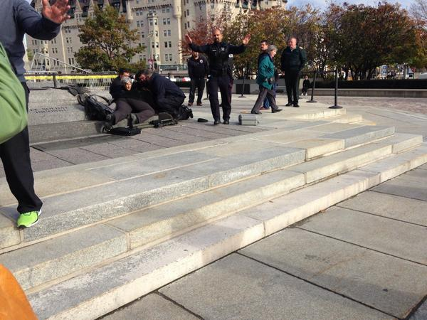 Shots fired at Canada's National War Memorial