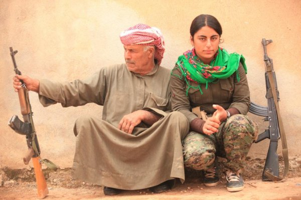 Kurdish women fighters