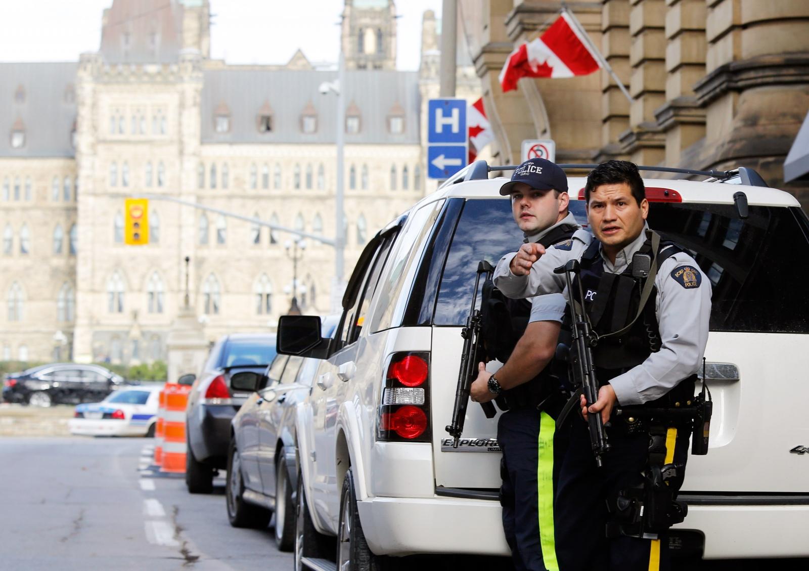 RMP officers guard Canada's parliament building in Ottawa. (Reuters)