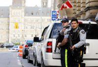 RMP officers guard Canada\'s parliament building in Ottawa. (Reuters)