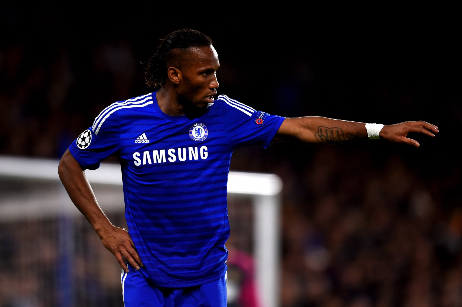 Didier Drogba claims Chelsea players unsettled Arjen ...