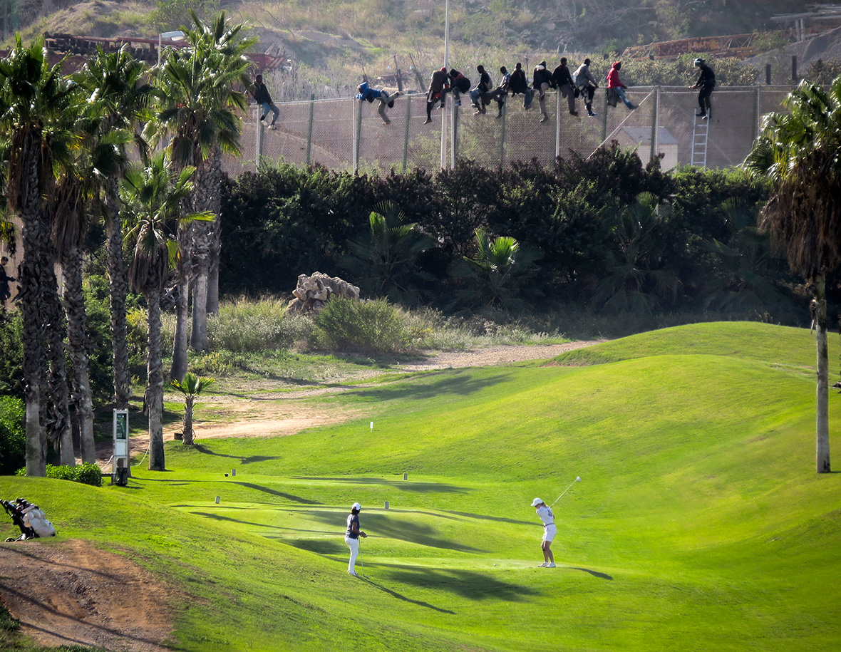 melilla fence golf course