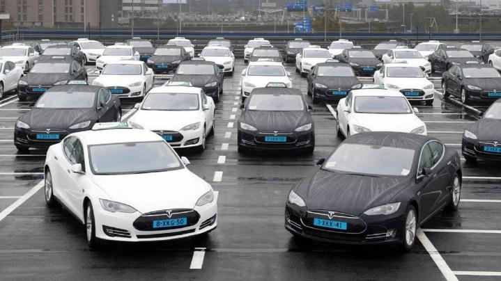 Airport Tesla