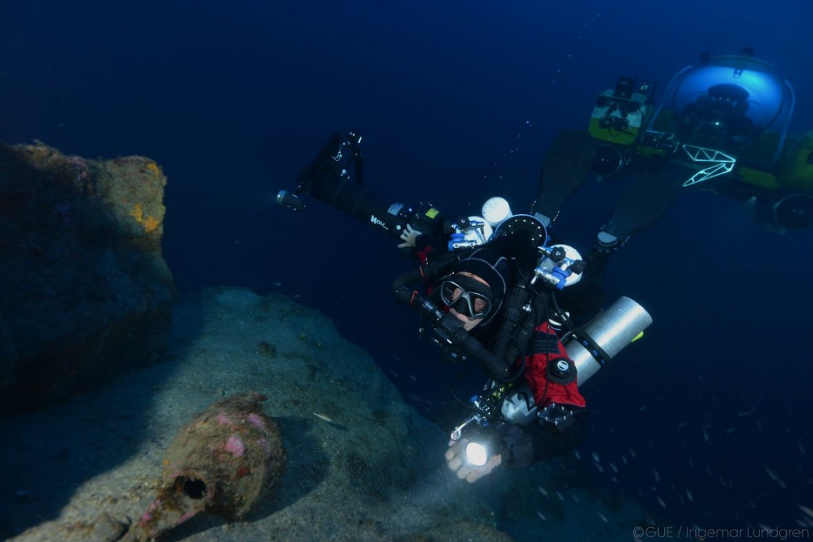 Deep sea diving for ancient Roman treasure