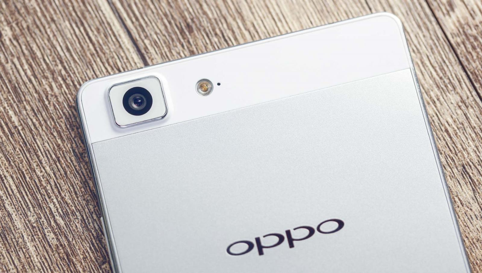 Oppo R5 glamour shot