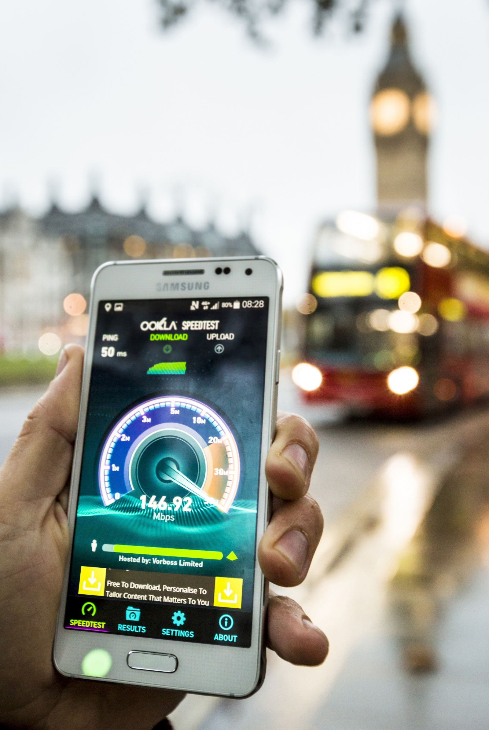 EE 4G  LTE-Advanced London promo shot