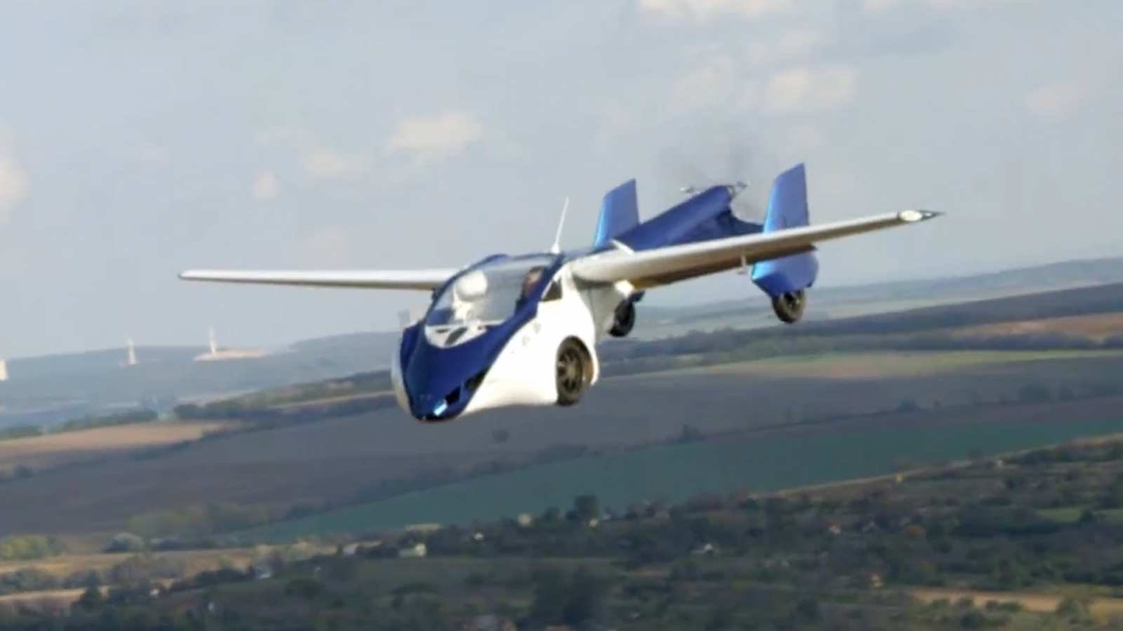 AeroMobil Unveils Flying Car Prototype