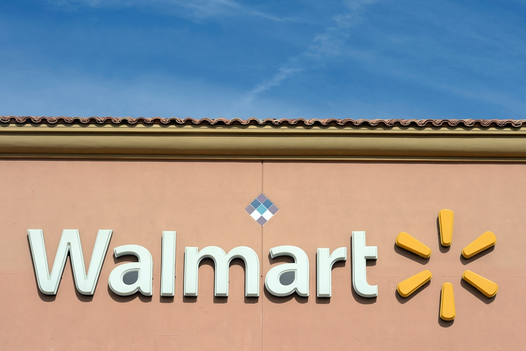 two year old kills mother in Walmart