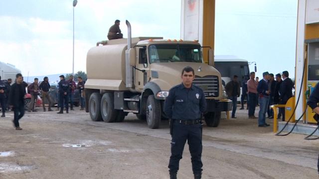 More Peshmerga Fighters to Enter Kobani as US Delivers More Air Strikes