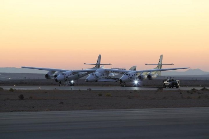 Virgin Galactic White Knight and Spaceship 2