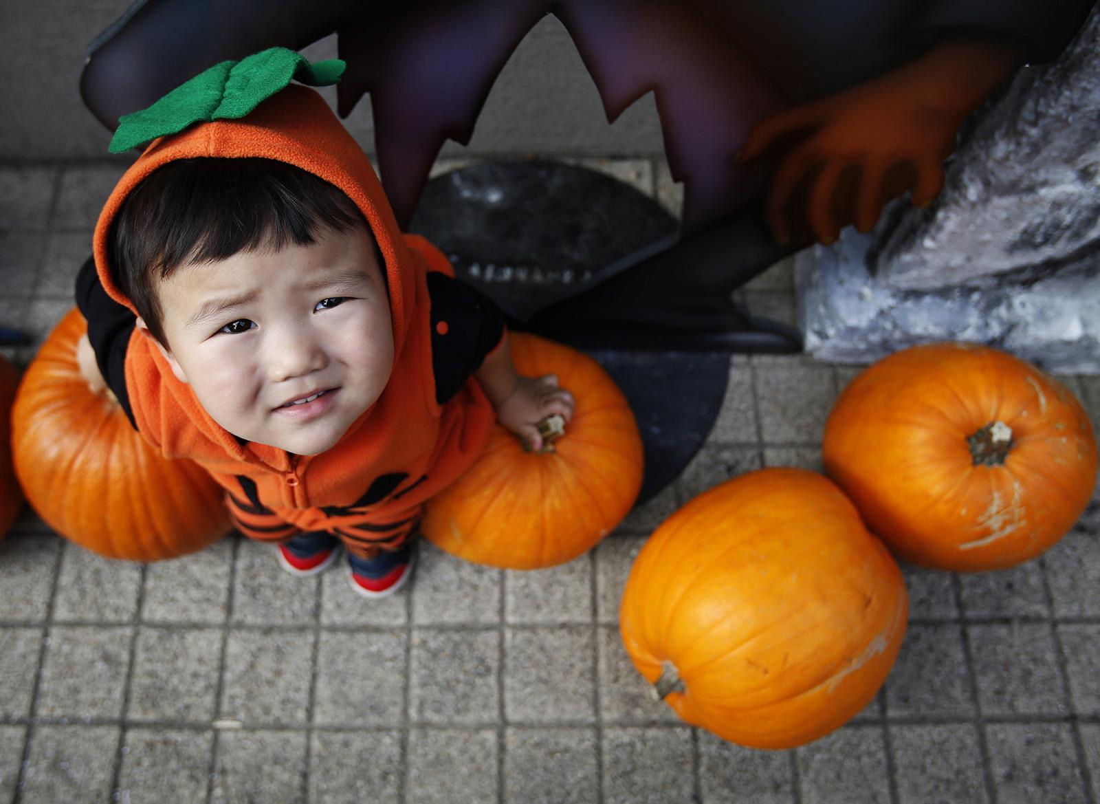 Halloween 2014: Fancy Dress Around the World