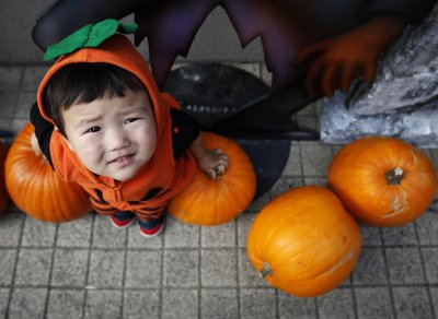 Halloween 2014 Fancy Dress Around the World