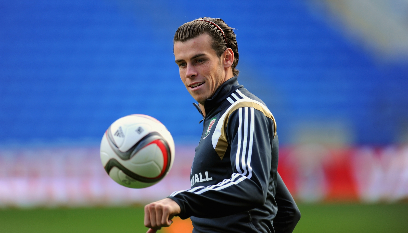 Gareth Bale 'selfish' as Manchester United speculation adds to rising pressure at Real Madrid