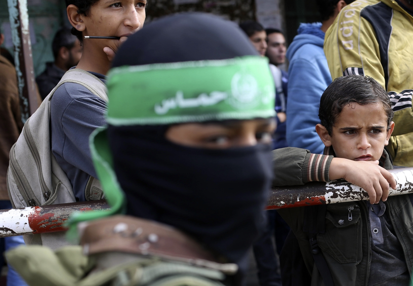 Palestinians take part in a protest against what they say are recent visits by Jewish activists to al-Aqsa mosque, in Rafah in the southern Gaza Strip November 3, 2014