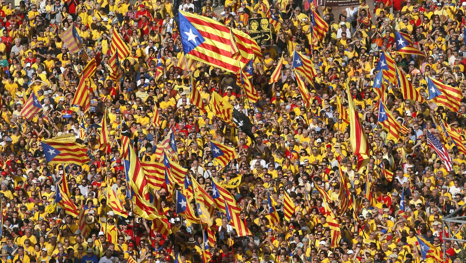 Catalonia President Pushes For Independence In 2016 By