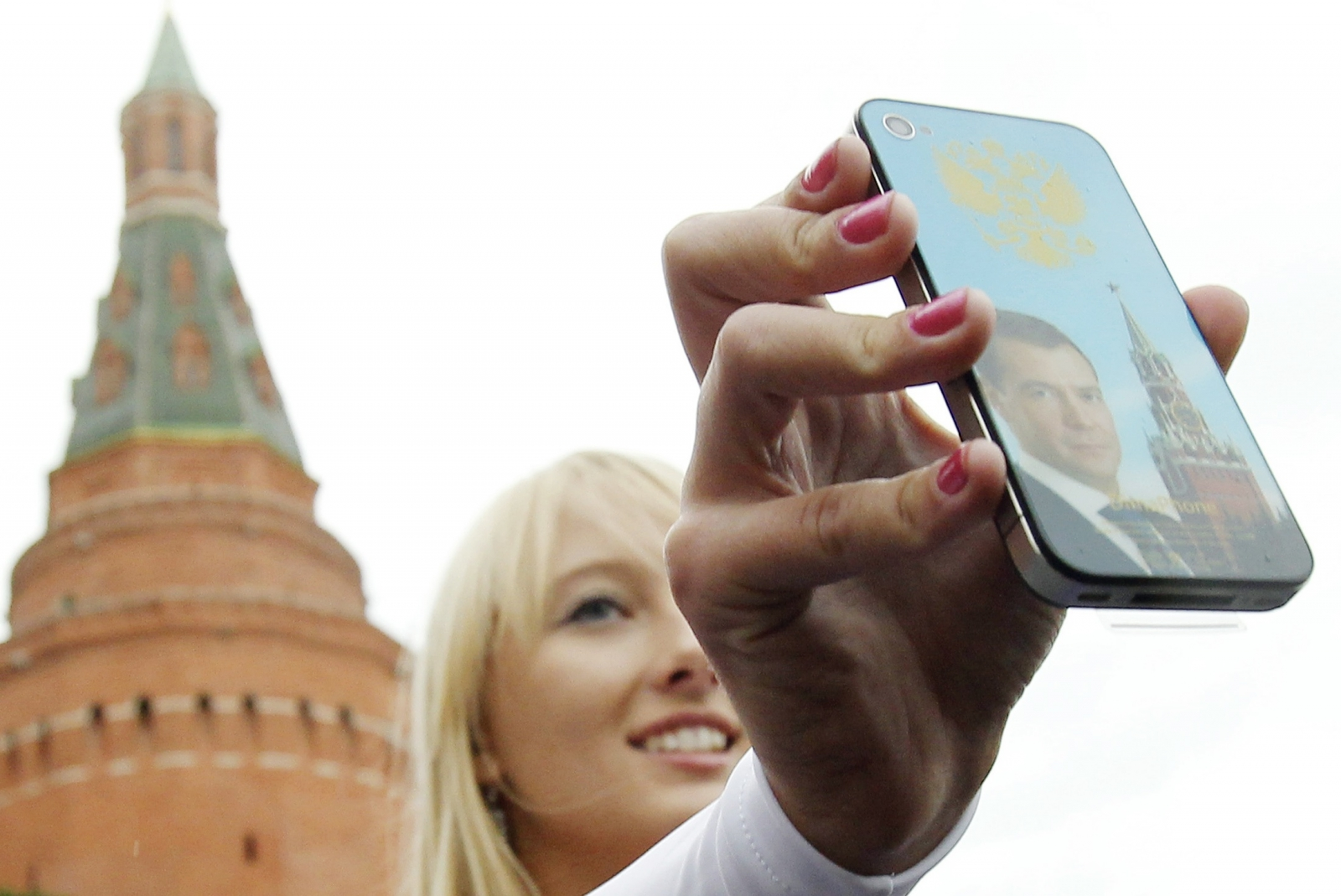russia iphone ipad ban