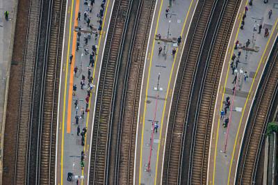 jason hawkes aerial Commuters at London Bridge Station