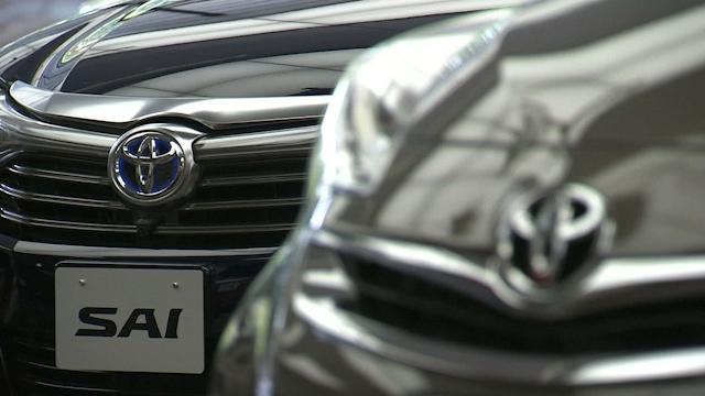 Toyota Raises Profit Forecast by 9 Percent on Weak Yen