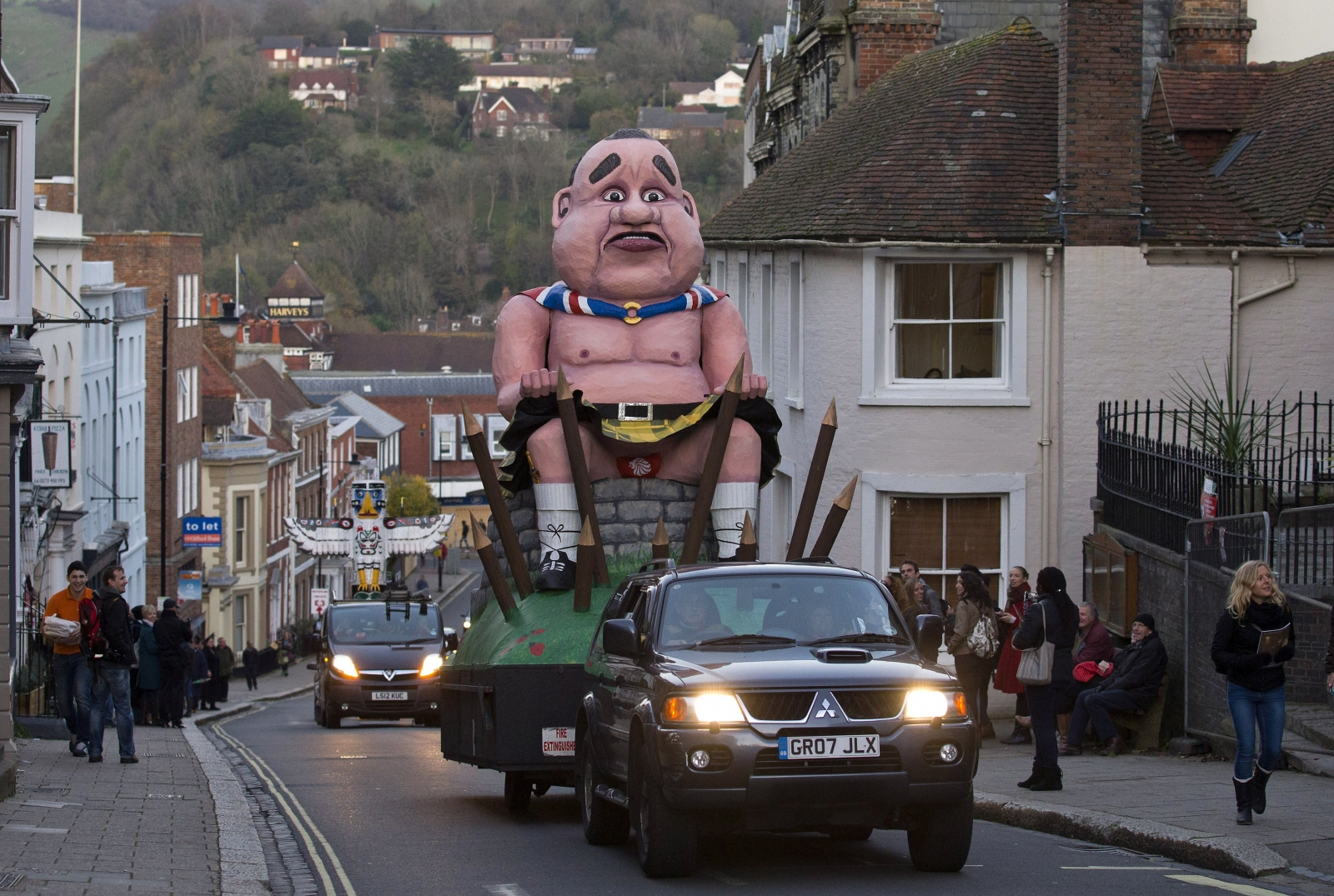 Social media rage saved Alex Salmond effigy saved from flames in Lewes