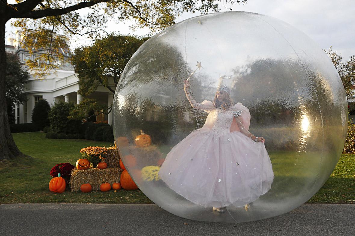halloween glinda white house