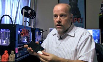 Inventor Chris Milnes shows IBTimes UK the Squarehelper, a 3D-printed invention